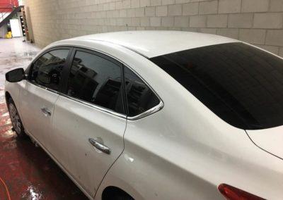 rapide-vitres-teintees-voiture-car-white-vitre-noire-black